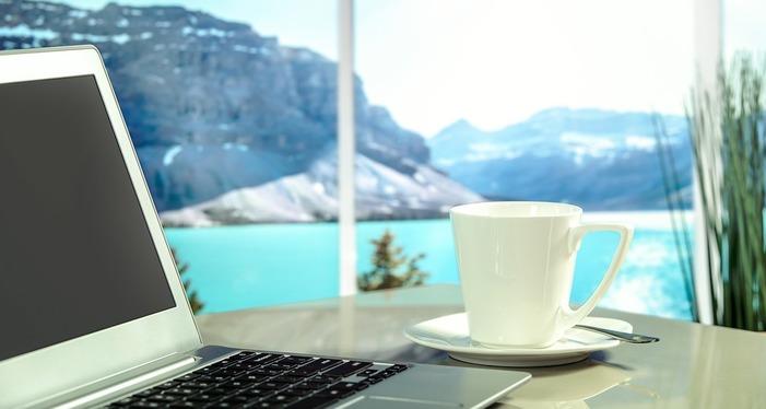 Digital nomad travaille à distance
